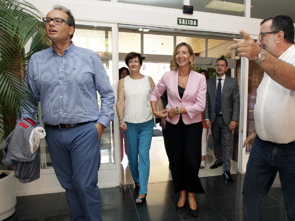 La consejera de Familia e Igualdad de Oportunidades, Alicia García, en su visita a la residencia de Los Royales.
