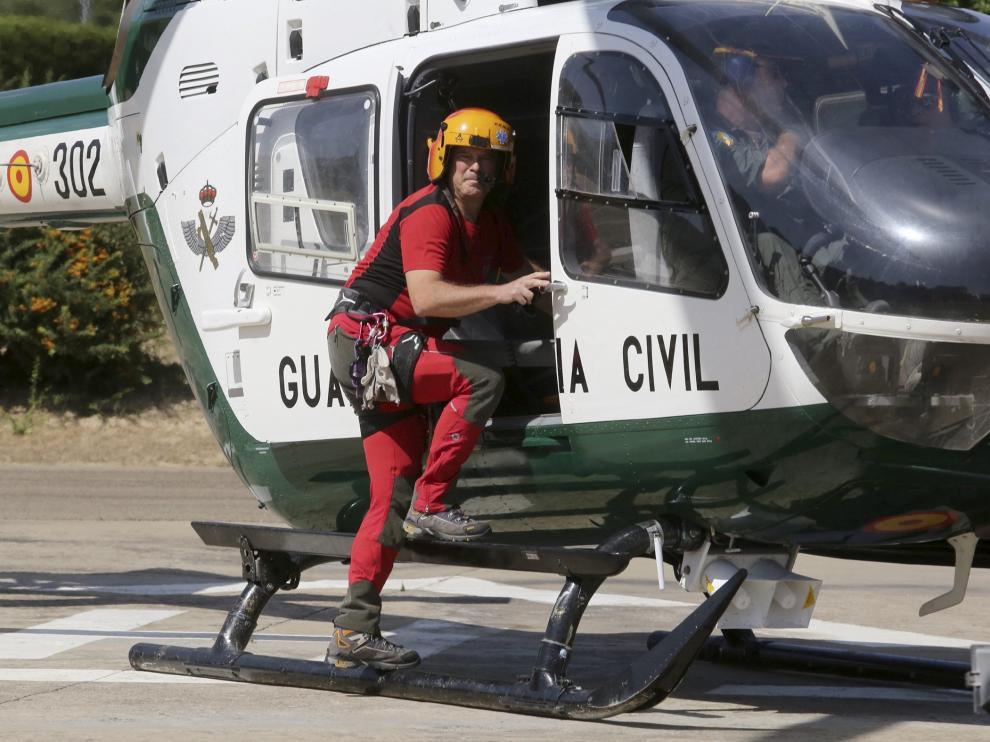 Hay 11 médicos y 8 enfermeros que participan en el rescate en montaña, aunque no de forma exclusiva, ya que también se encargan de atender la UME de Sabiñánigo (24 horas al día, todo el año) y la uvi de Jaca (12 horas de lunes a viernes).