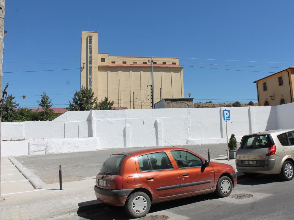 El muro del nuevo aparcamiento de la plaza de la Estación tiene una longitud de 35 metros.