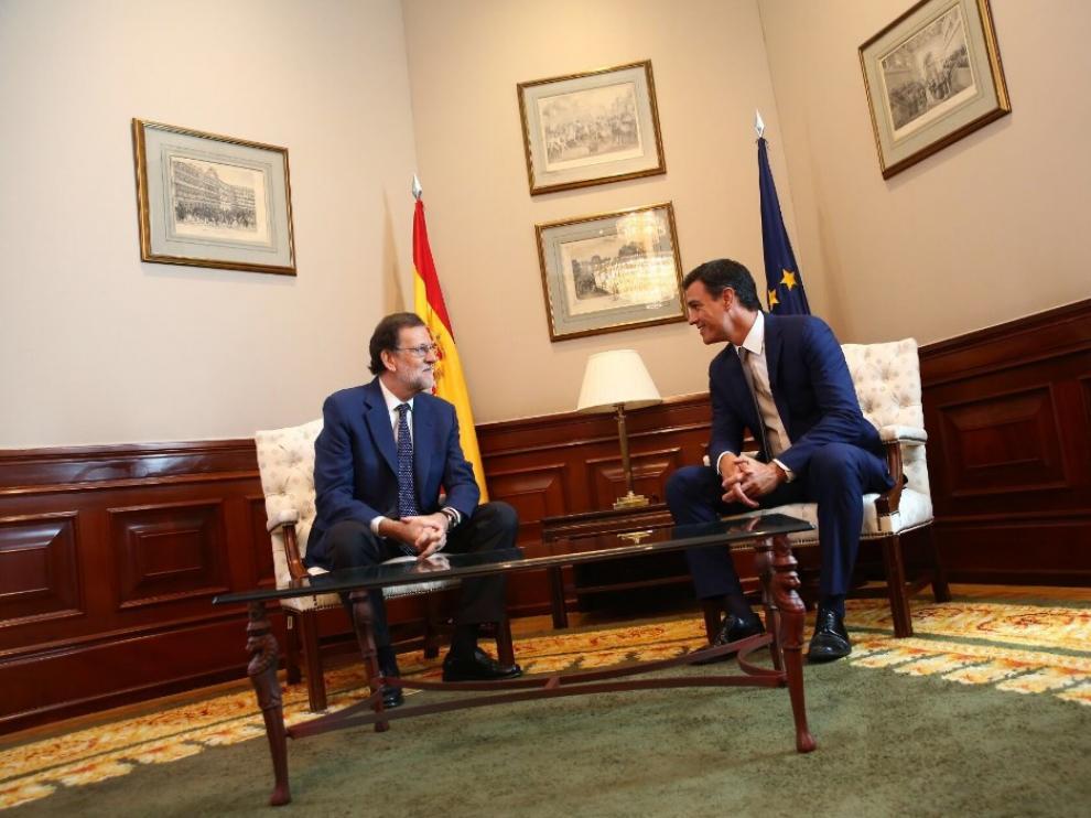 Rajoy ha recibido a Sánchez un día después de alcanzar el pacto con C's