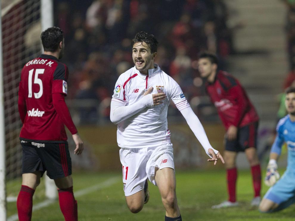 Juan Muñoz celebra uno de sus goles con la camiseta del Sevilla, en partido de Copa de la pasada temporada.
