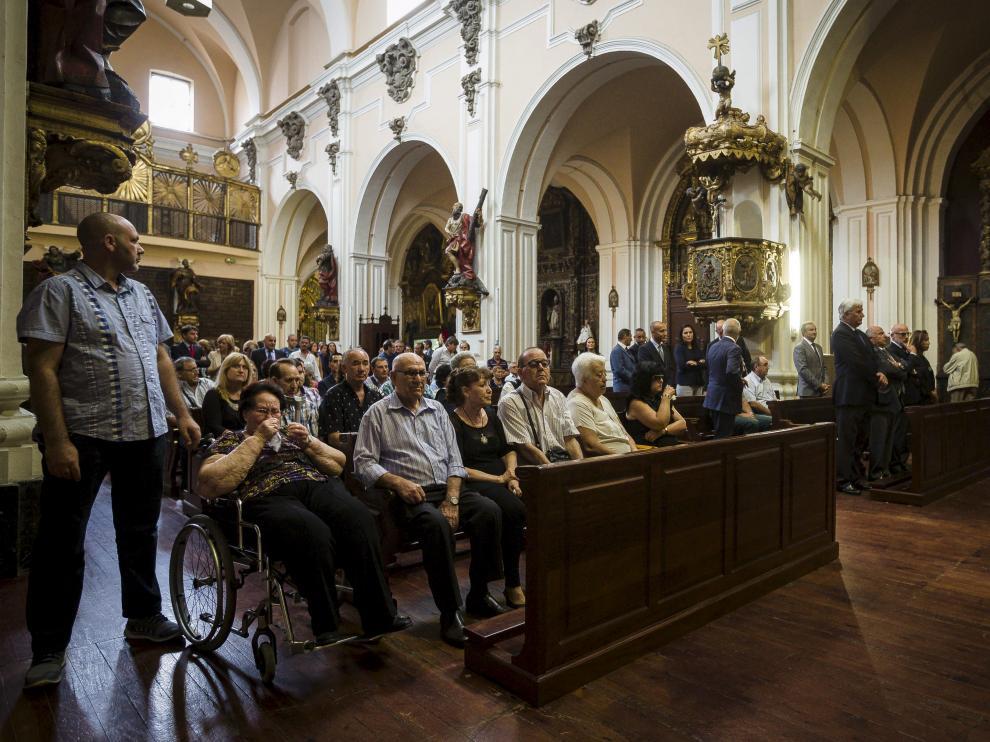 La iglesia de San Felipe, en la plaza del mismo nombre en Zaragoza, acogió ayer por la mañana una ceremonia en recuerdo de los fallecidos en la explosión.