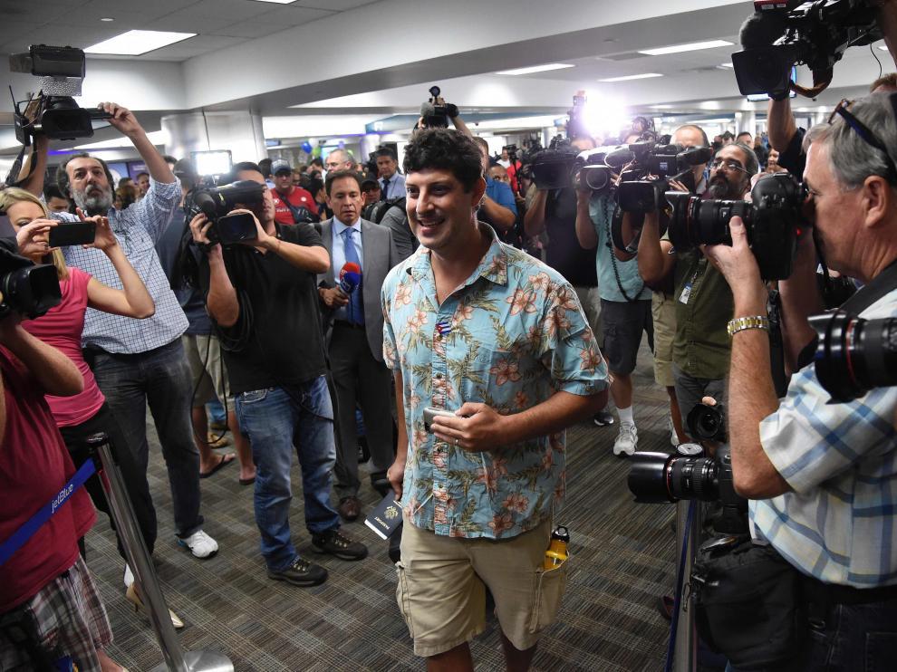 Pasajero del primer vuelo a Cuba desde Estados Unidos desde 1961
