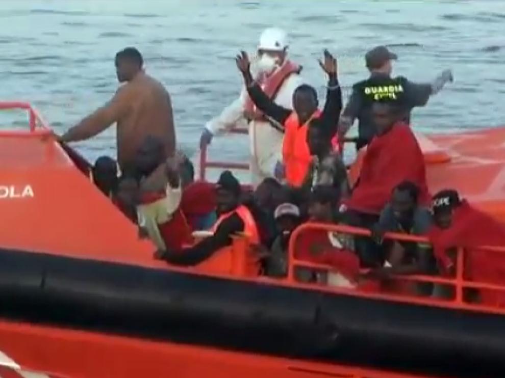 Rescatados 65 inmigrantes en tres pateras en la costa de Almería.