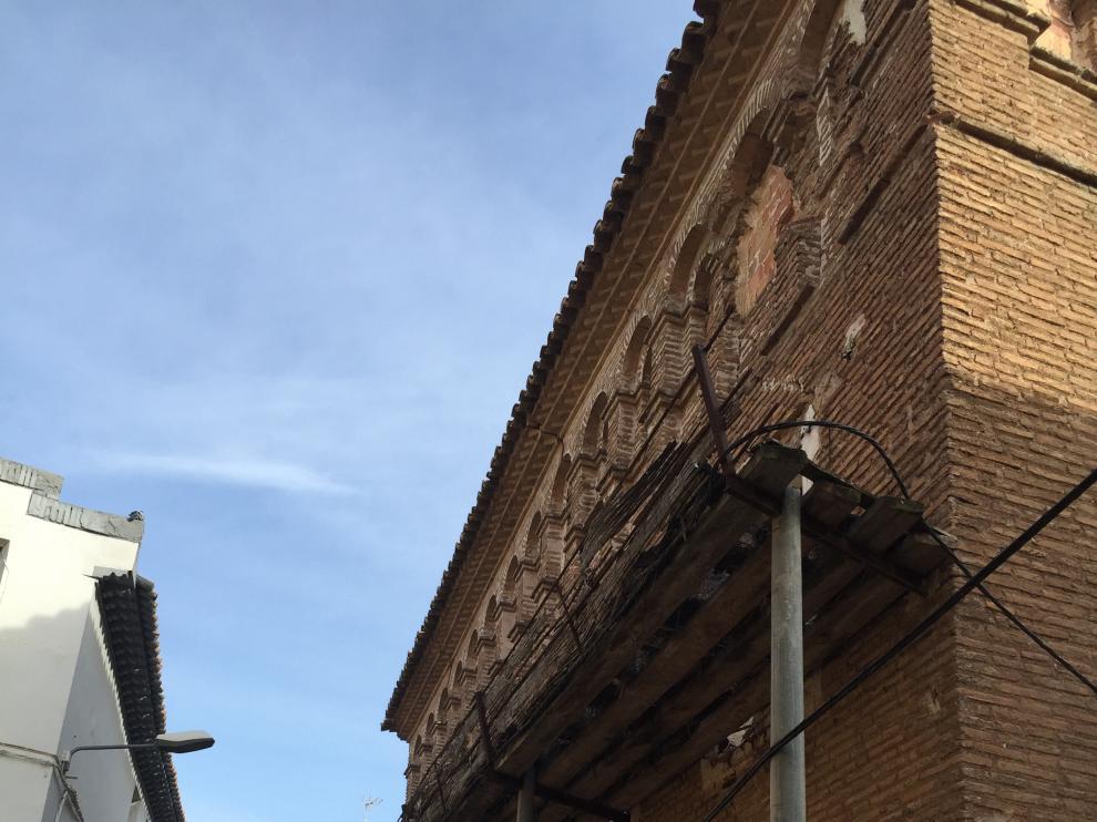 Protección en la fachada para evitar desprendimientos.