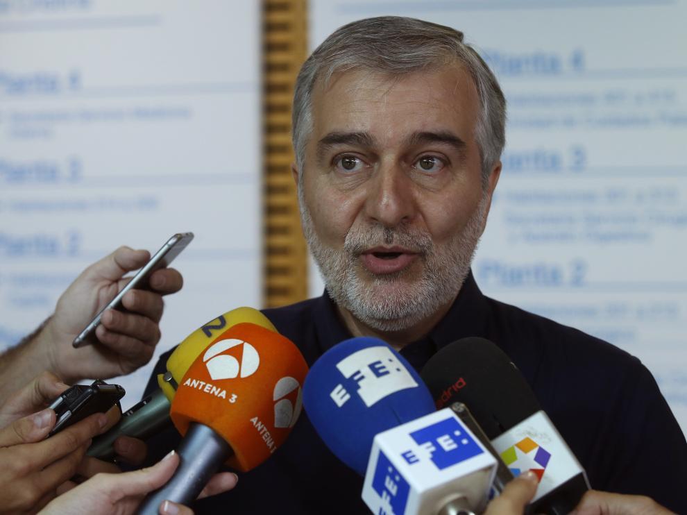 Ángel Gil, portavoz de la comisión técnica constituida para el seguimiento de la fiebre hemorrágica.