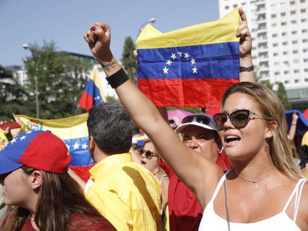 Más de 40 detenidos tras el 'cacerolazo' a Maduro
