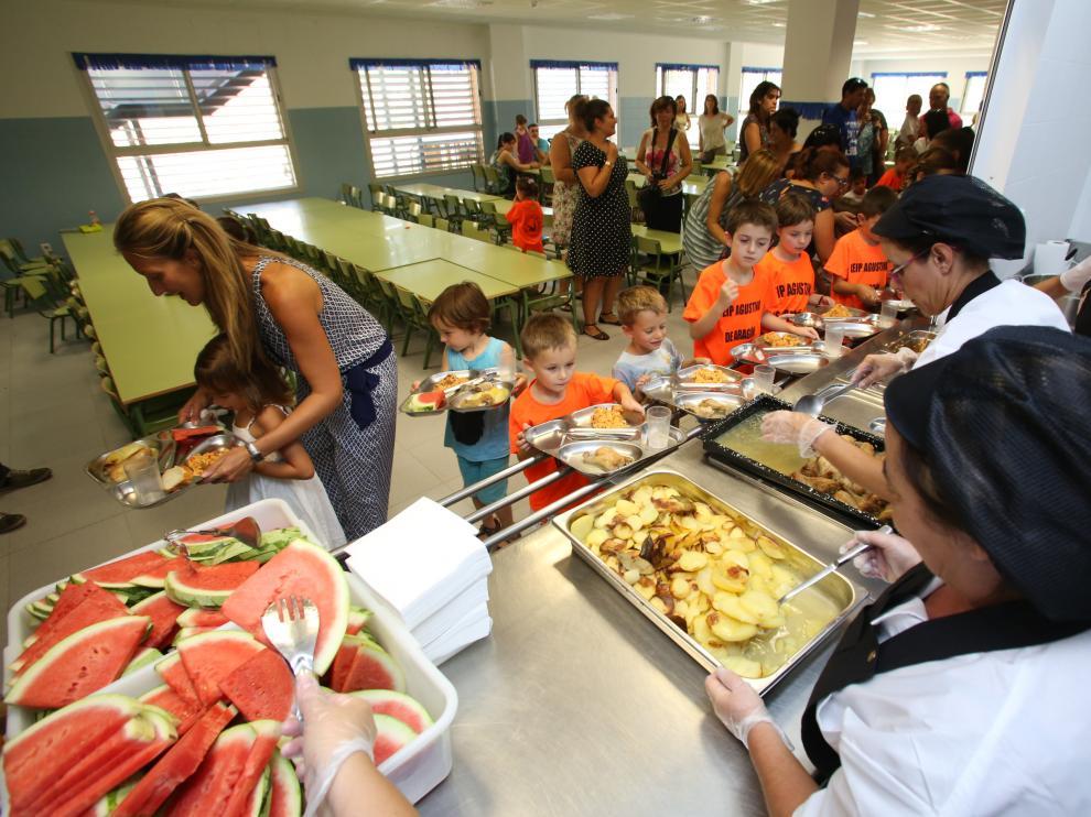 El colegio Agustina de Aragón ha inaugurado este martes su nueva cocina y sistema de gestión.