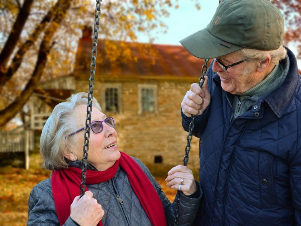 Los hallazgos sugieren que el estrés y las exigencias de una relación sexual pueden ser más relevantes para los hombres a medida que envejecen.