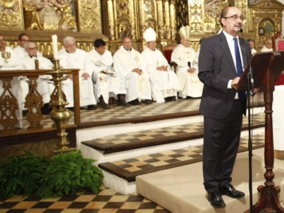 Javier Lambán durante la inauguración de la restauración de la catedral de Albarracín.
