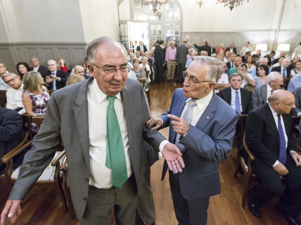 Amado Franco, presidente de Ibercaja, con Antonio Peleato, presidente del Rotary Club Zaragoza.