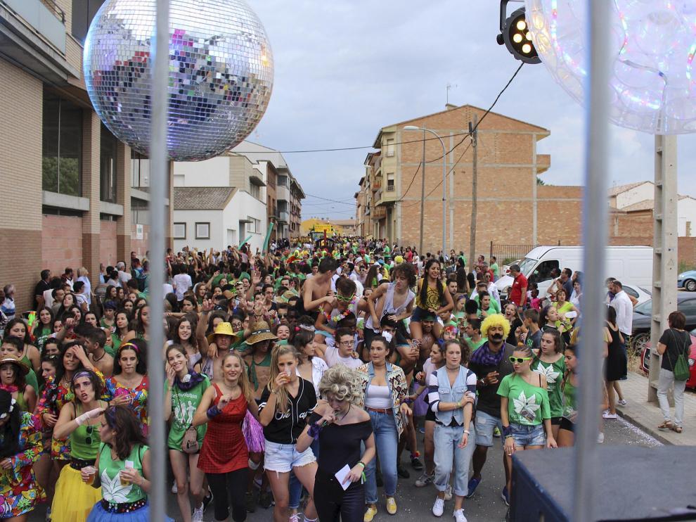 Desfile de fiestas en Binéfar