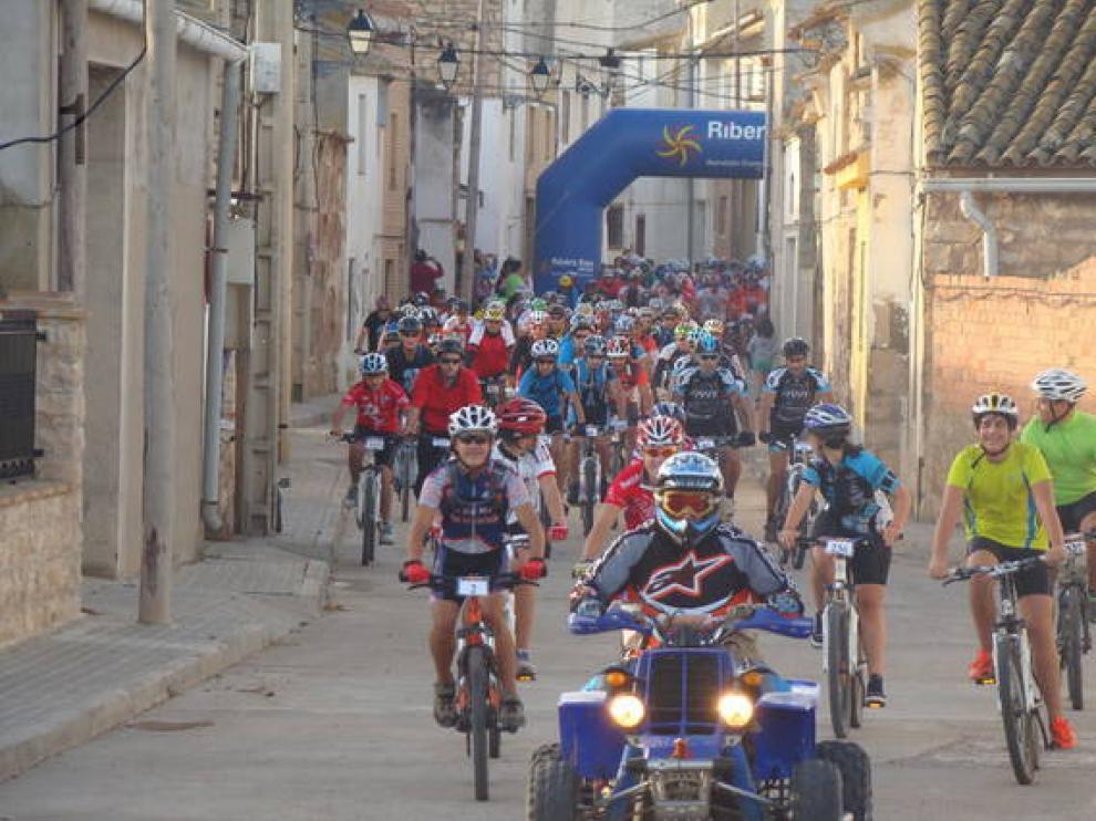 Unas 300 personas participan cada año en la subida al Poyo de Alforque.