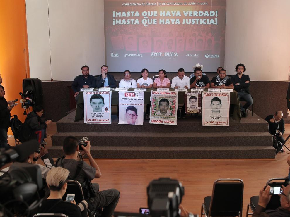 Una protesta por la desaparición de los 43 jovenes.