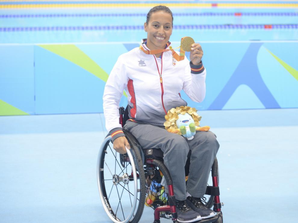 Teresa Perales, con su medalla de oro