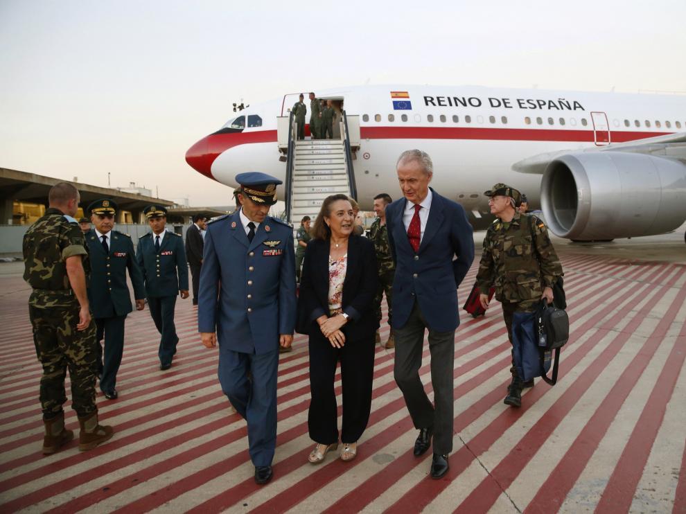 Morenés, a su llegada al Líbano.