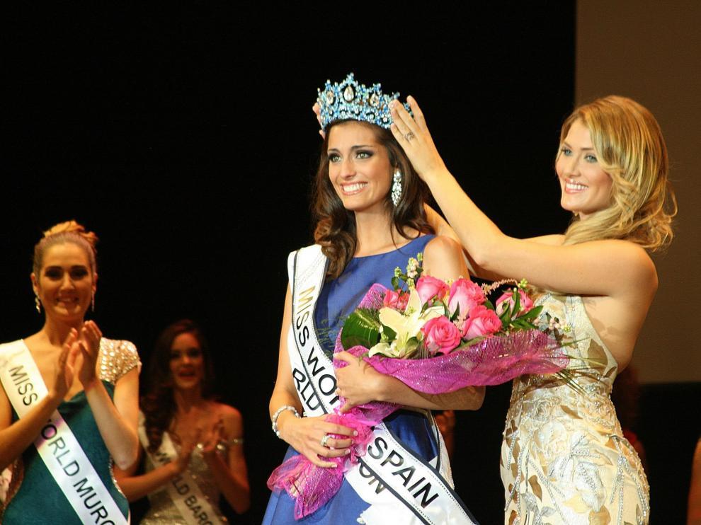 La zaragozana Raquel Tejedor durante su coronación como Miss World Spain.