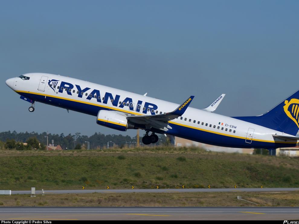 Ryanair espera generar más de 3.500 empleos en 2017.
