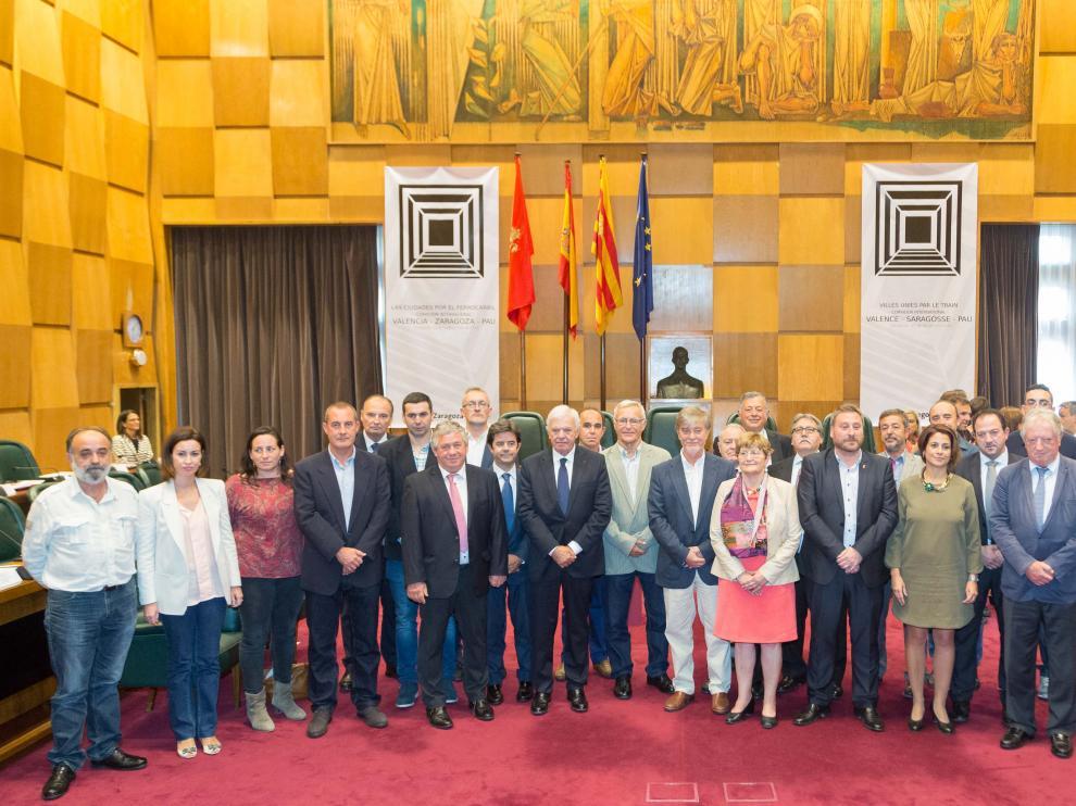 """Zaragoza, Valencia y Pau piden """"seriedad"""" a la UE en la reapertura del Canfranc"""