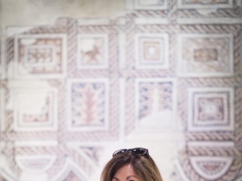 Ana Alcolea en el interior del Museo de Zaragoza.