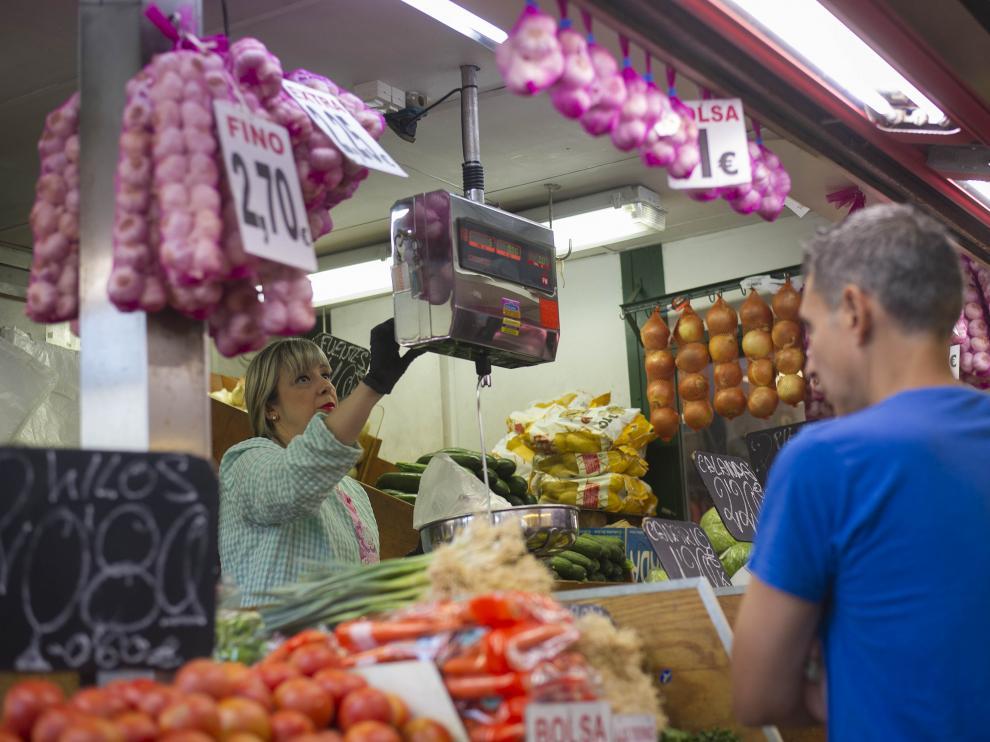 Inauguración de los dos primeros puestos de promoción del Mercado Central.