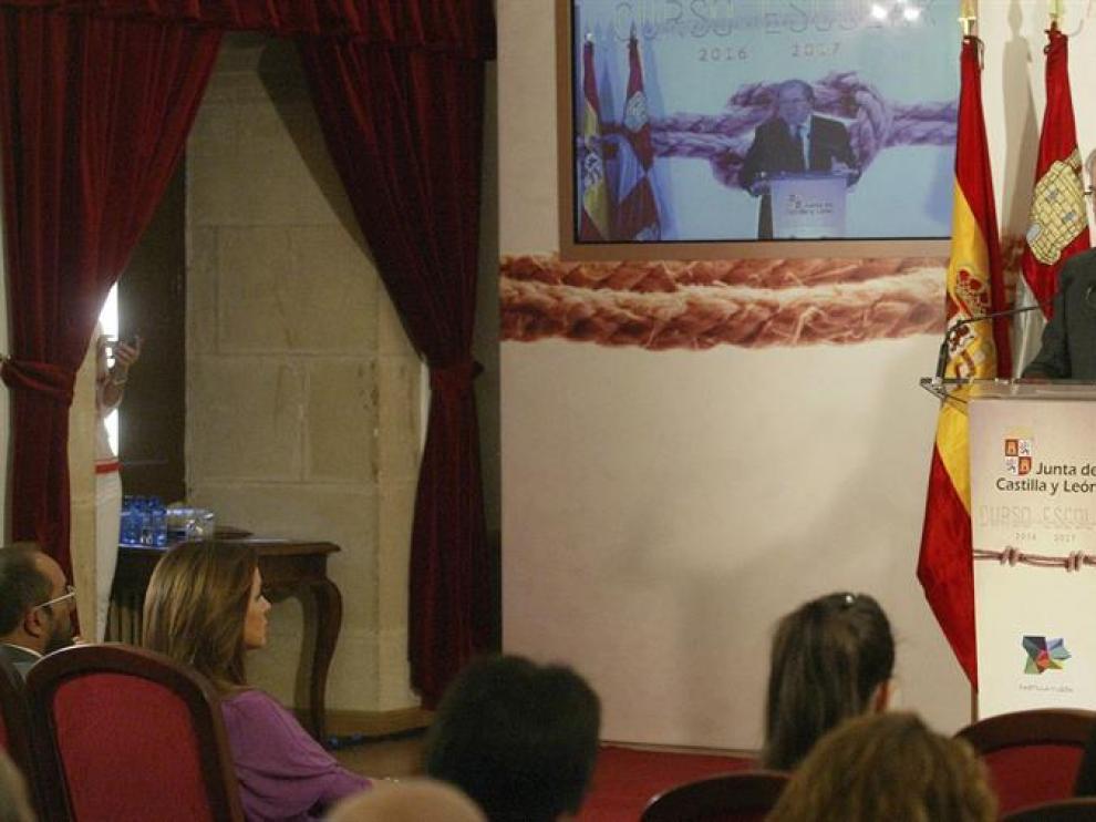 El presidente de la Junta de Castilla y Leon, Juan Vicente Herrera pronuncia un discurso en Soria, donde ha abierto institucionalmente el curso de enseñanzas no universitarias.