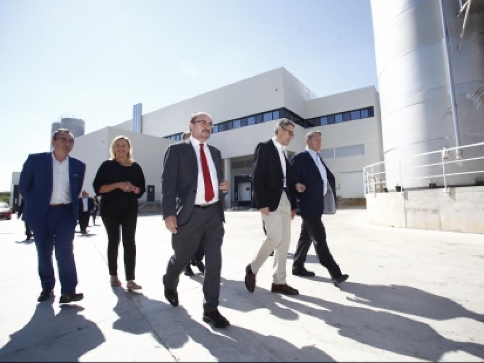Lambán inaugura en Fraga la ampliación de Becton Dickinson, que creará 50 nuevos empleos