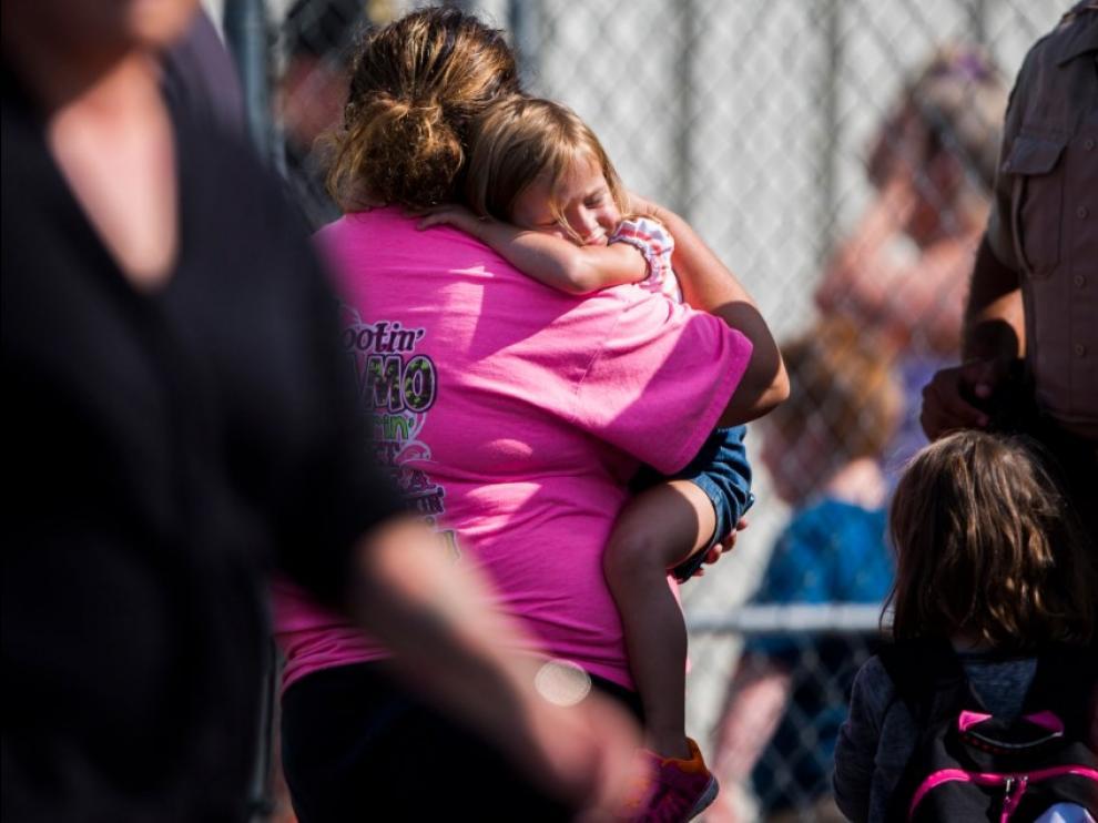Un tiroteo en una escuela de Estados Unidos deja heridos a dos niños y a una profesora