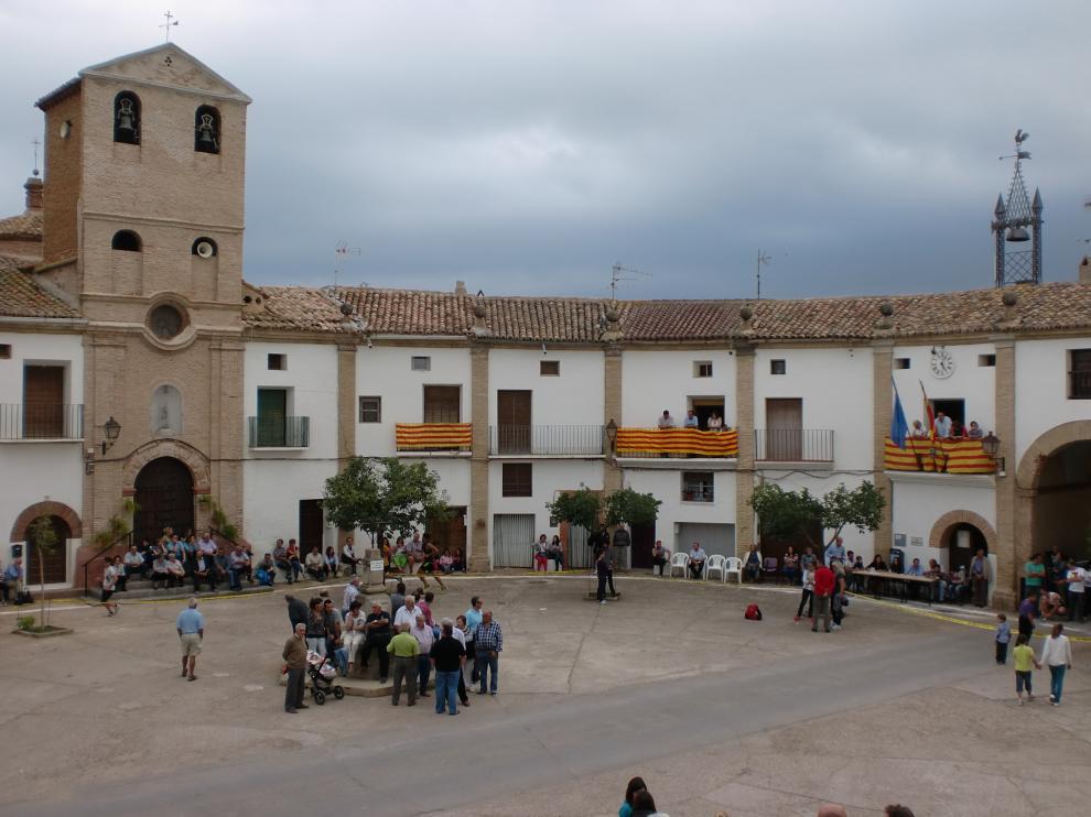 La plaza de Chodes, preparada para el Mundial del Pollo