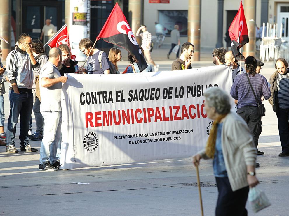 Pancarta a favor de la municipalización.