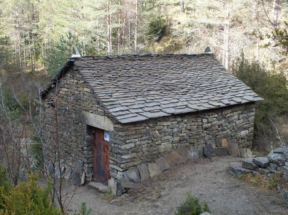 El molino de Ainielle, rehabilitado en 2015, aparece en la novela 'La lluvia amarilla'.