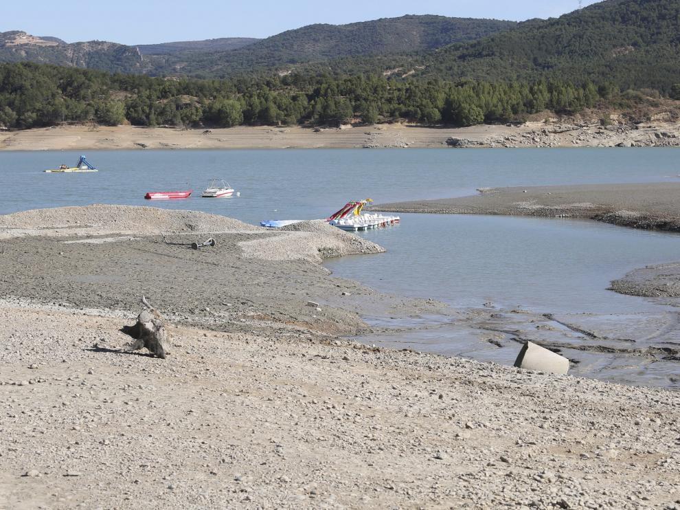 Barasona cuenta con tres embarcaderos para el uso turístico del embalse