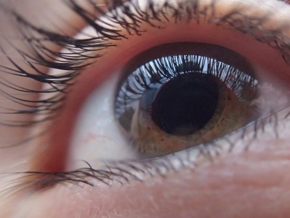 Una de las enfermedades visuales más agresivas asociadas al tabaco es la neuropatía óptica tóxica.