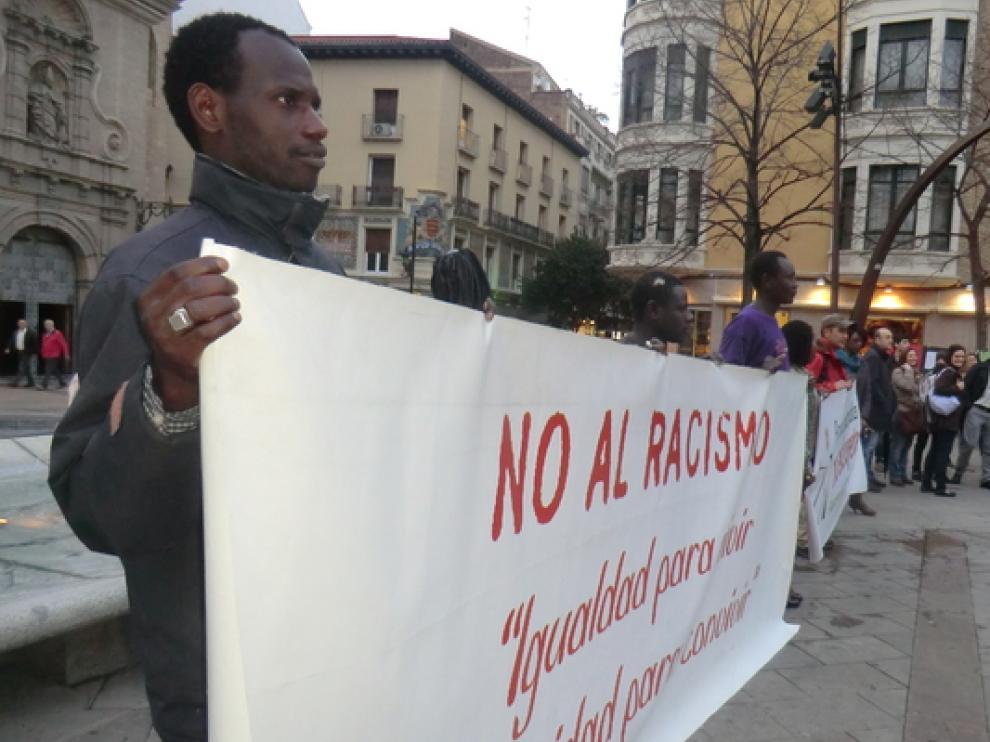 Concentración contra el racismo en Zaragoza