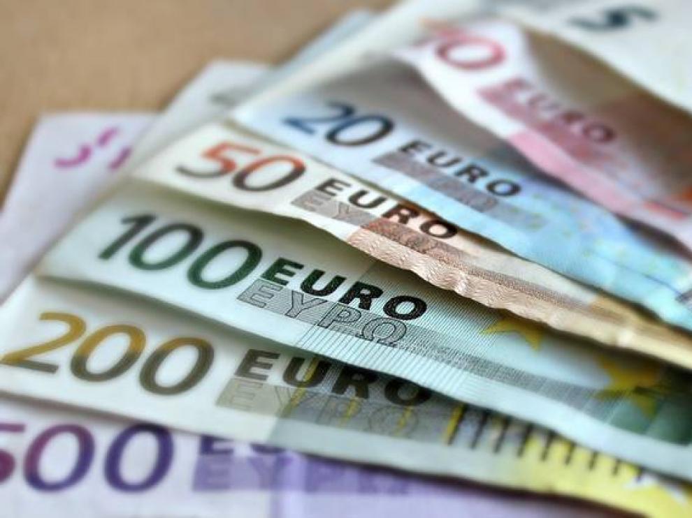 Los aragoneses ahorran por encima de la media española, según un informe.