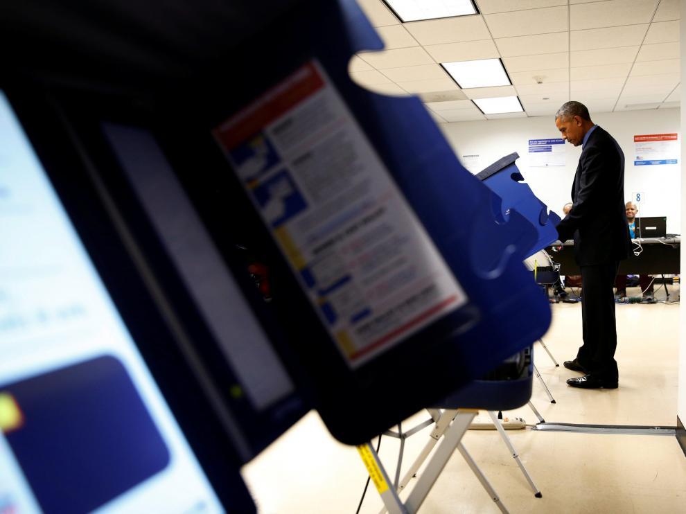 Obama votó este viernes para las elecciones del próximo noviembre.