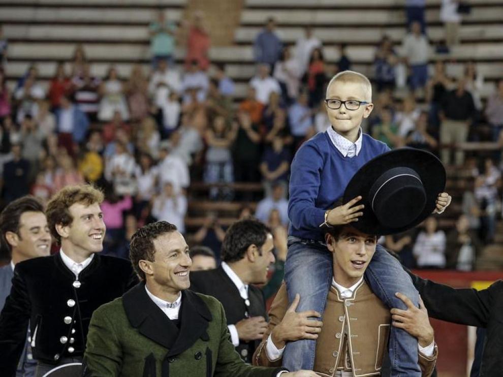 Corrida benéfica por Adrián, el niño enfermo que desea ser torero