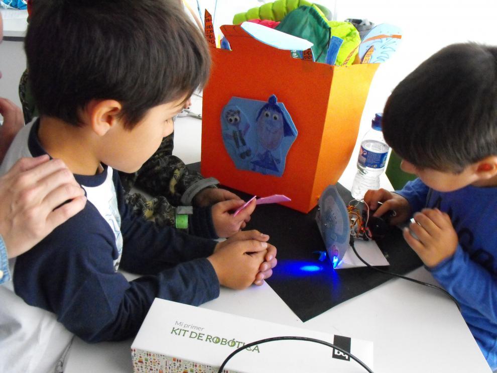 Talleres en Etopía Kids durante las fiestas del Pilar.