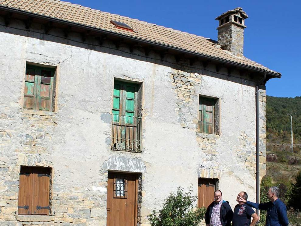 El edificio de las escuelas de Barbenuta data de principios del siglo XX.