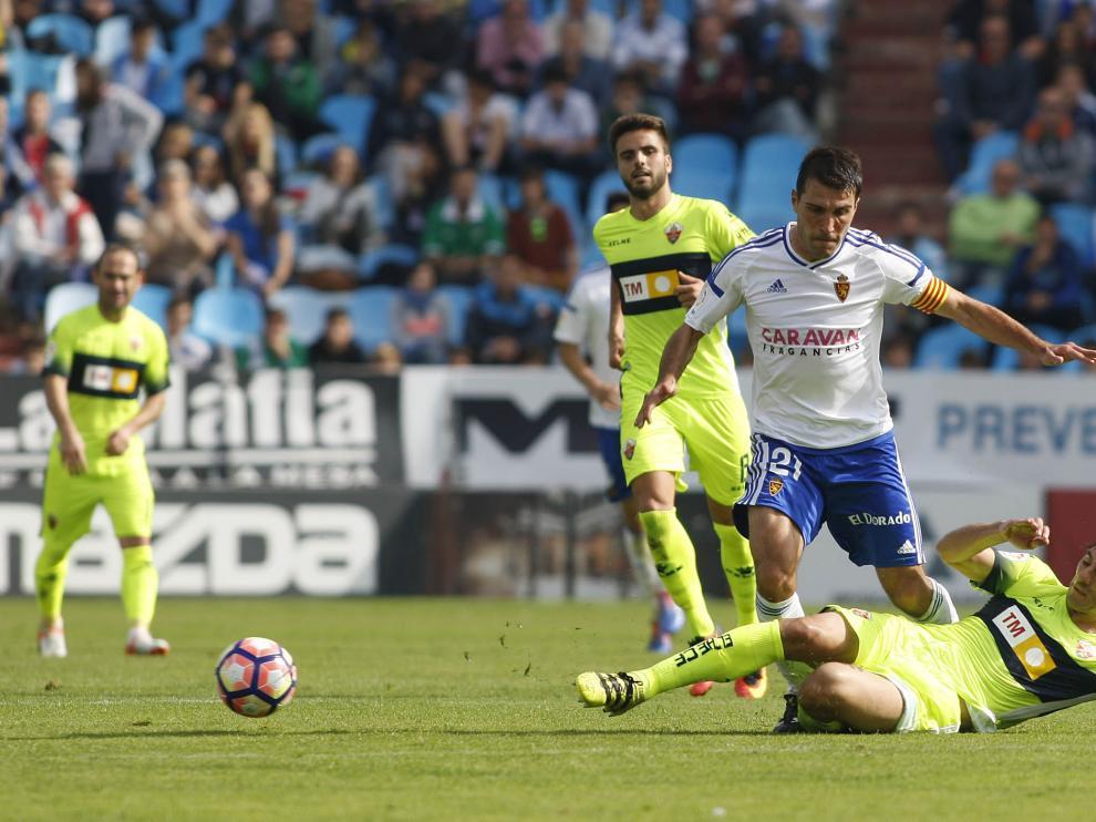 El Real Zaragoza cae ante el Elche