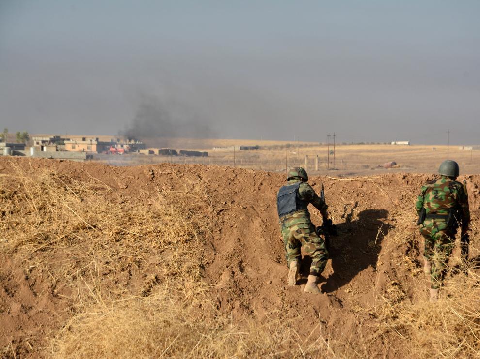 Fuerzas iraquíes y kurdas avanzan hacia Mosul en el primer día de la gran ofensiva
