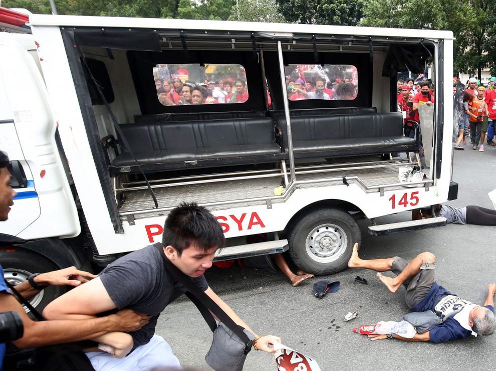 Momento del atropello en Manila.