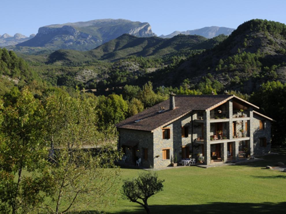 Casa Rural Campacruz, un precioso alojamiento situado en Puyarruego, en la entrada del Caón de Añisclo.