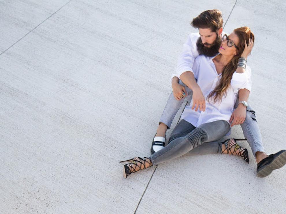 La pareja de bloggers de Zaragoza Cristian García y María Roger