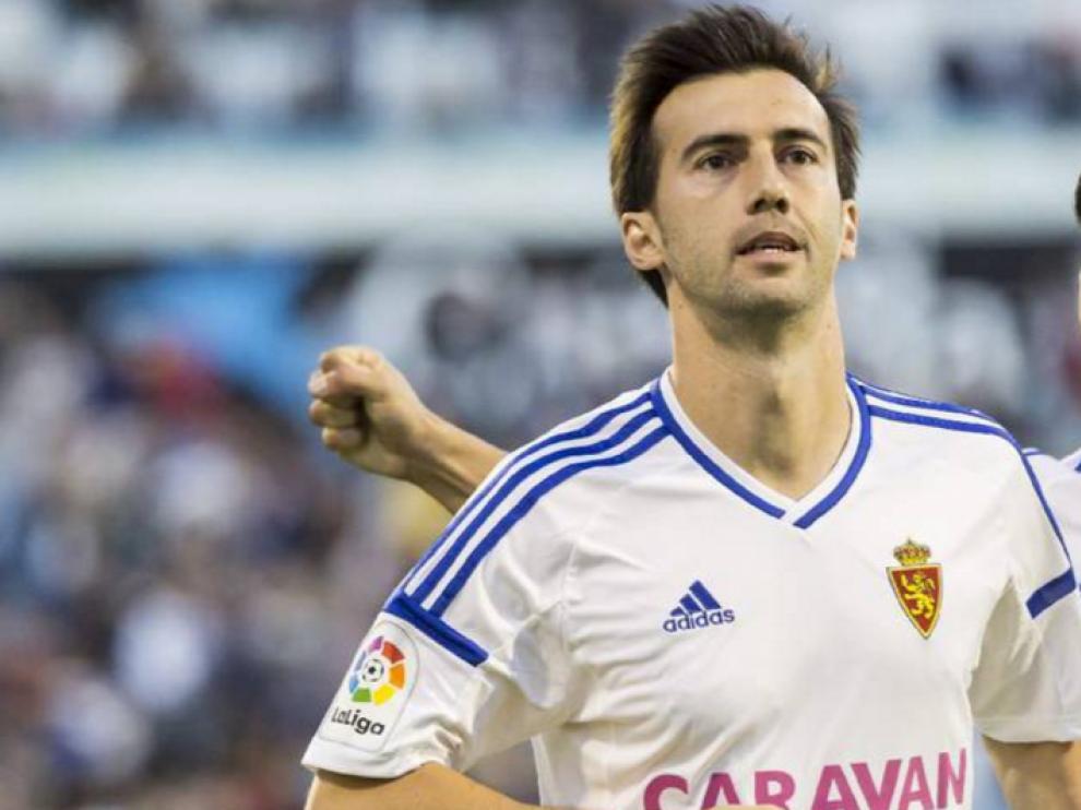 Manu Lanzarote celebra uno de los goles anotados esta temporada con el Real Zaragoza.