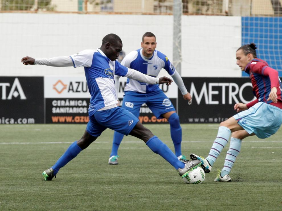 El CD Ebro durante un partido de esta temporada.