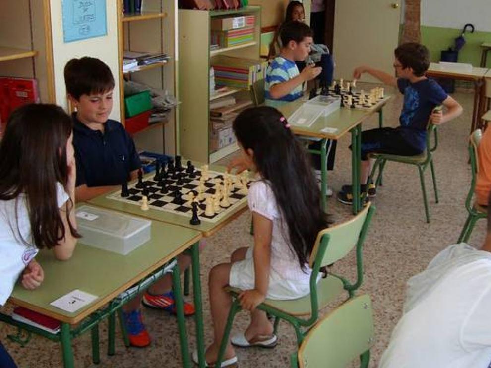 Torneo de ajedrez en un colegio turolense.