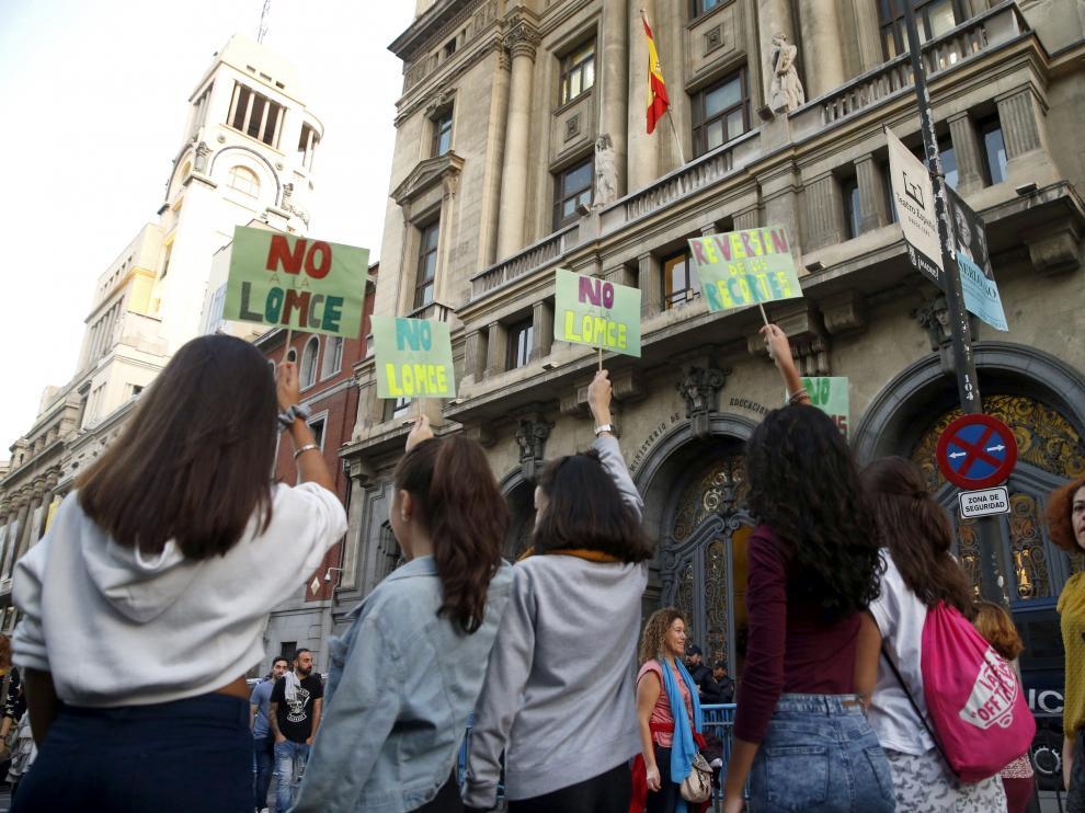 Foto de archivo de una protesta estudiantil contra la Lomce y las reválidas.