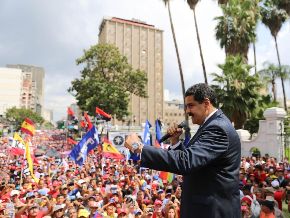 Maduro pide al Consejo de Defensa evaluar escenarios de diálogo con oposición