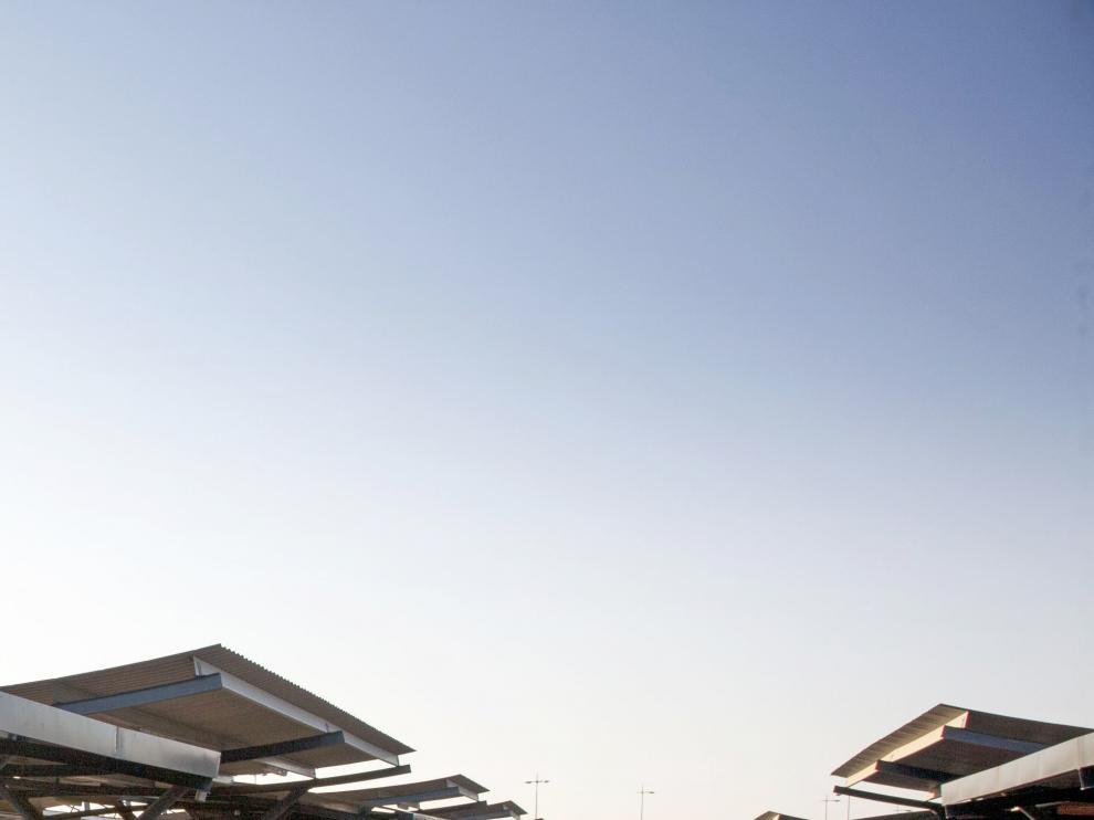 Aparcamiento del Aeropuerto de Zaragoza.